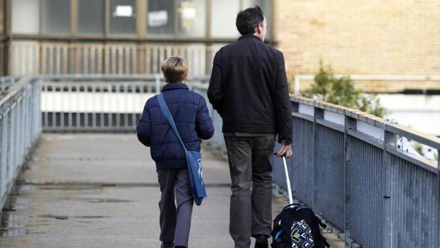Los hogares en riesgo de pobreza disminuyen por primera vez en cuatro años