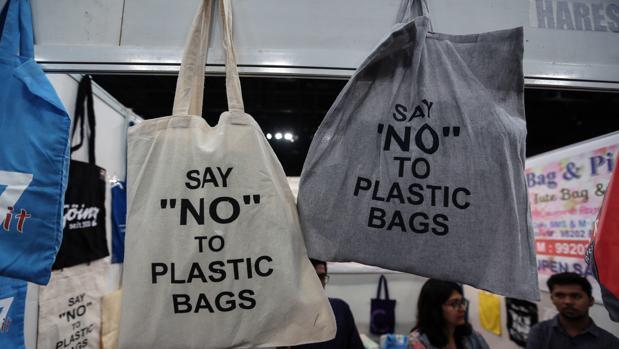Progresivamente se irá reduciendo el uso de bolsas de plástico en establecimientos comerciales