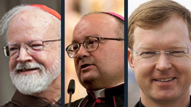 El arzobispo de Boston, Sean O'Malley, el antiguo fiscal Charles Scicluna y el psicólogo jesuita Hans Zollner