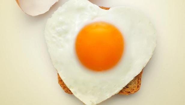 Puedes comer un huevo al día sin miedo al colesterol