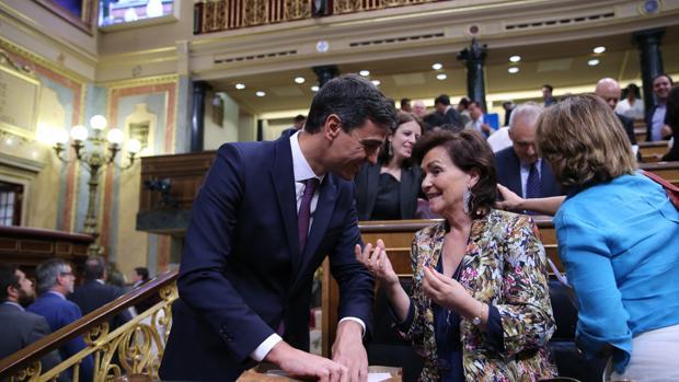 Eutanasia y LGTBi, los polémicos retos sociales del Gobierno de Sánchez