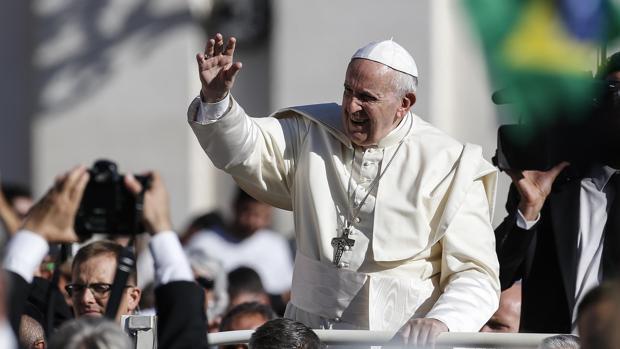 El Papa Francisco, en la audiencia general en la Plaza de San Pedro del Vaticano