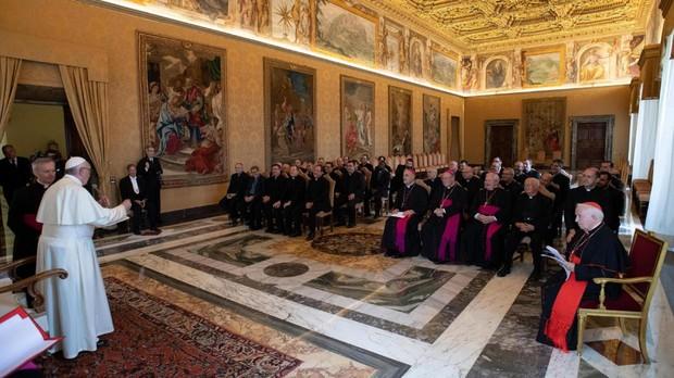 El Papa denuncia en Lituania a quienes «siembran división y enfrentamiento en el escenario mundial»