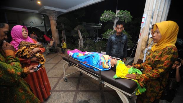 El terremoto que ha azotado Indonesia ha dejado varios heridos además de tres fallecidos