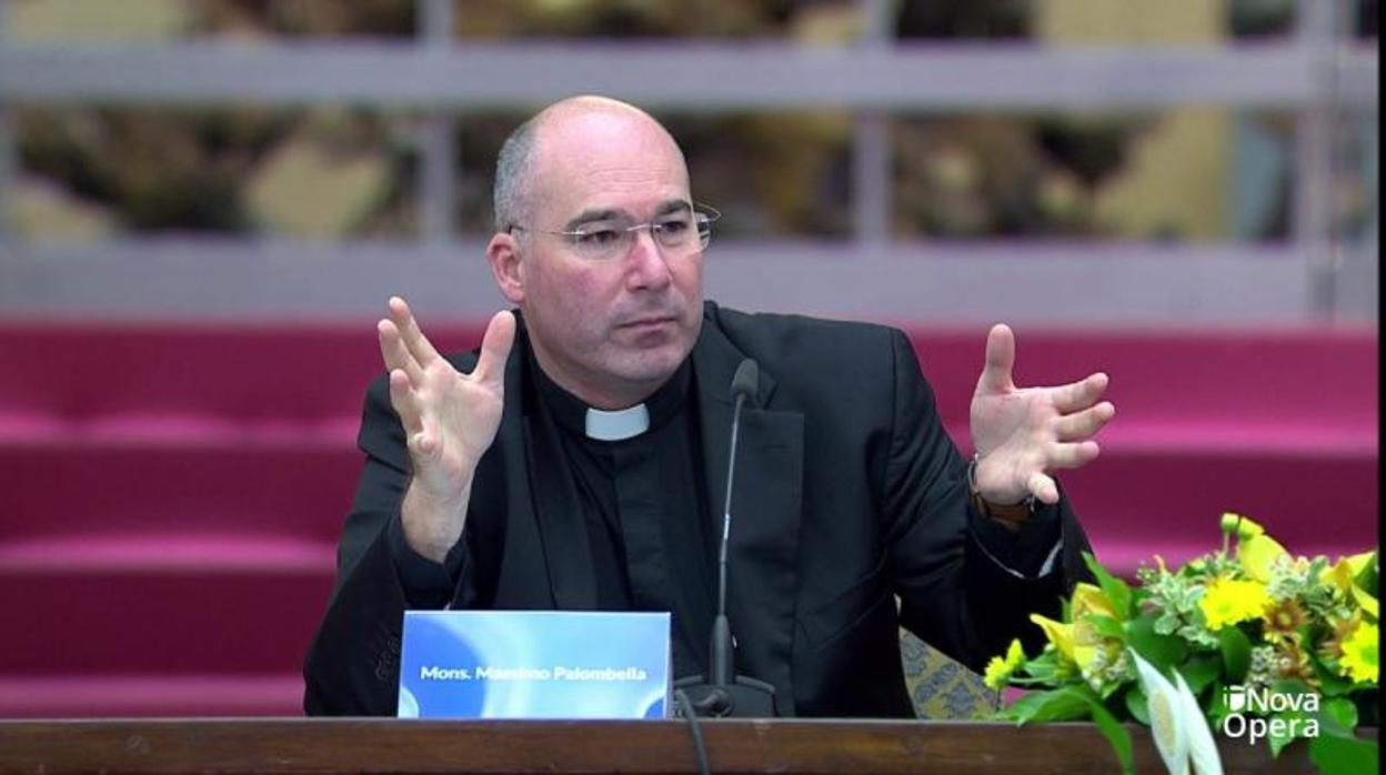 Francisco aparta al director del coro de la Capilla Sixtina por corrupción