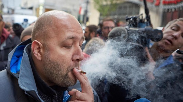 Canadá pone en marcha el mayor experimento de legalización de marihuana