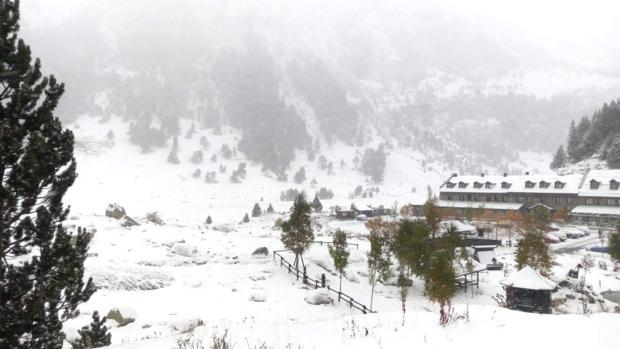 Estación de esquí de fondo de Los Llanos del Hospital, en Benasque, con las primeras nieves de la temporada