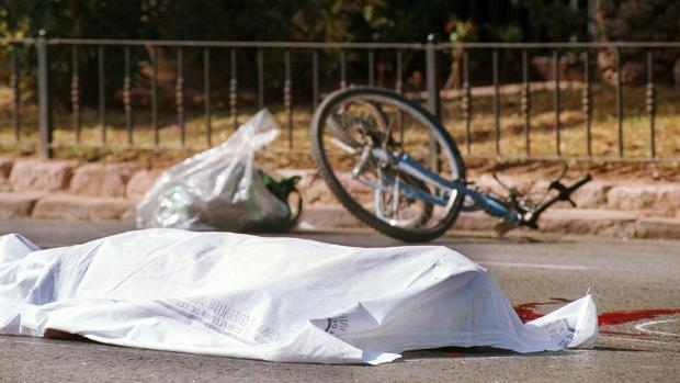 El abandono del lugar del accidente estará tipificado como delito