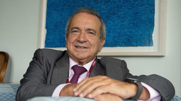 El rector de la Universidad Internacional Menández Pelayo, Emilio Lora-Tamayo