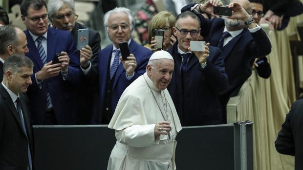 El Papa, hoy, en su tradicional audiencia de los miércoles en la sala Nervi de El Vaticano