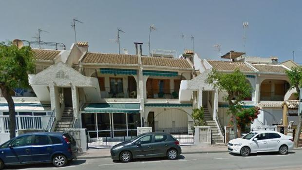 La avenida Trece de octubre de Los Alcázares (Murcia), donde tuvo lugar el suceso