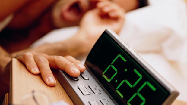 Dormir mal o menos de seis horas, tan malo para las arterias como el tabaco