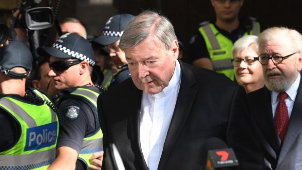 El cardenal Pell, condenado a seis años de cárcel por abuso sexual de menores