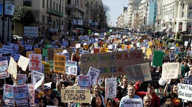 Friday For Future: Fridays For Future: Cientos De Jóvenes Salen A La Calle