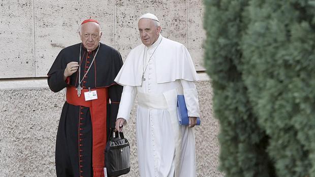 El Papa, junto al arzobispo Ezzati, en una imagen de archivo