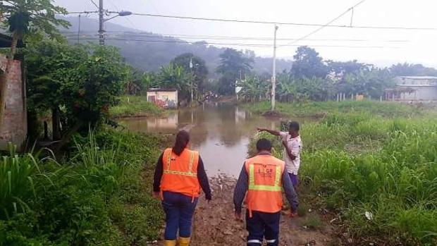 Los servicios de emergencias del país actúan ante los desastres causados por las lluvias
