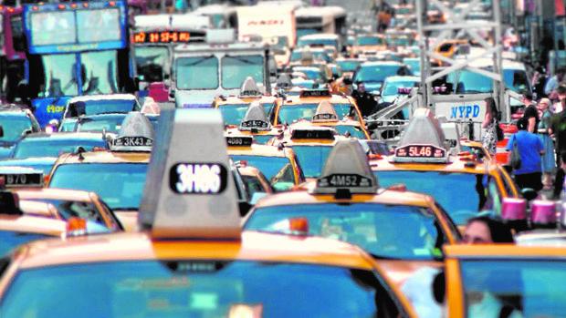 Más de 700.000 vehículos entran cada día a la isla de Manhattan