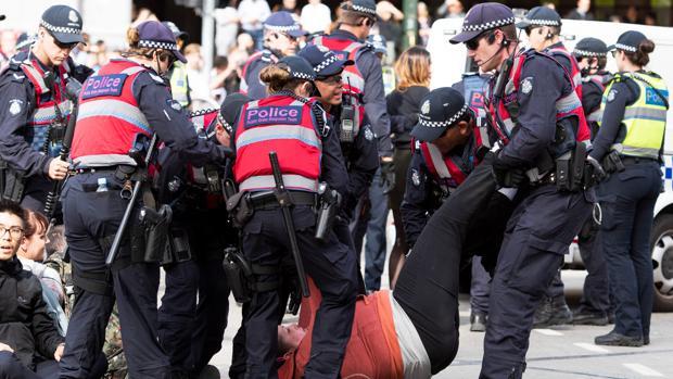 Grupos de activistas animalistas protestan en Australia