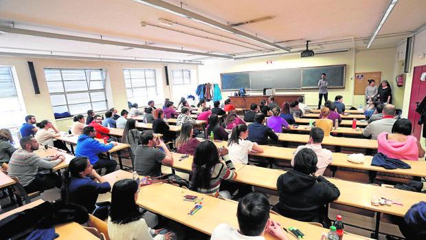 El Gobierno quiere dar el control de la universidad a las autonomías