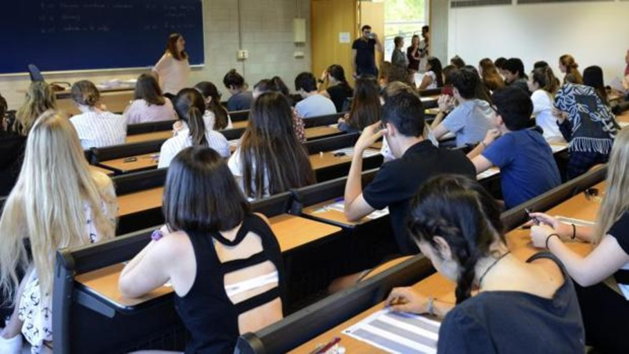 La Universidad de Baleares quiere que unas becas que se conceden hoy sólo a hombres se den también a mujeres
