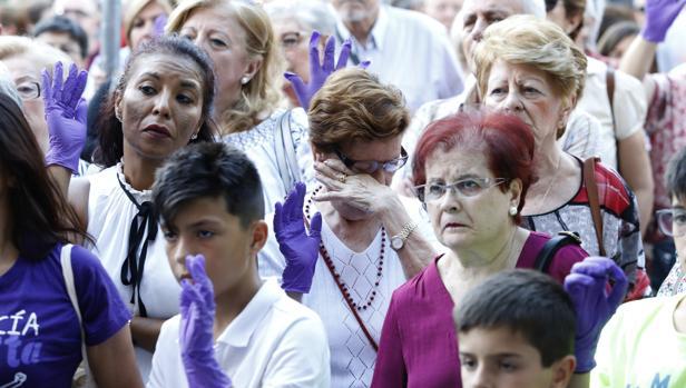 Concentración por la útima mujer asesinada en Córdoba por violencia de género
