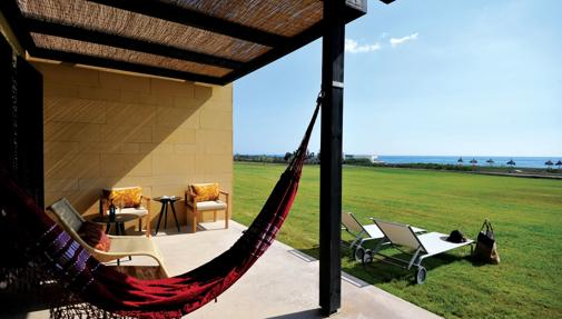 Terraza de la suite con vistas al mar
