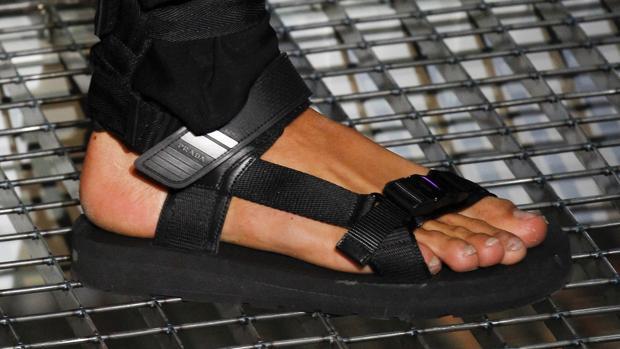 Las sandalias masculinas, a examen