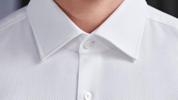 Por los cuellos y los puños reconocerás el tipo de camisa