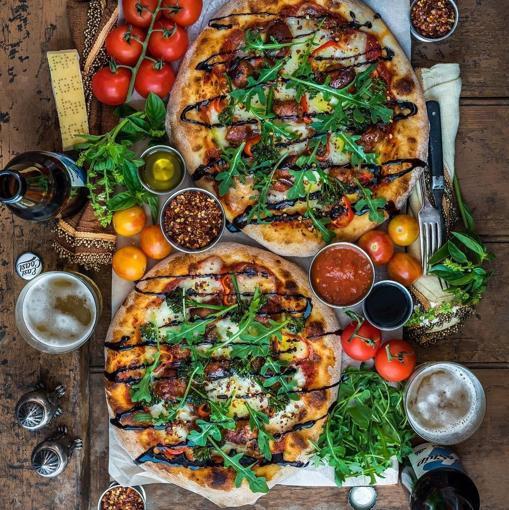 Bodegón gourmet con pizzas como protagonistas