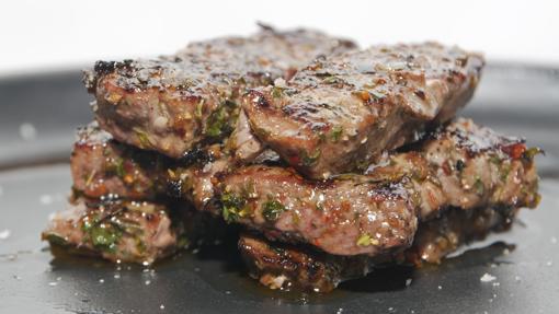 Carne de cebra fileteada
