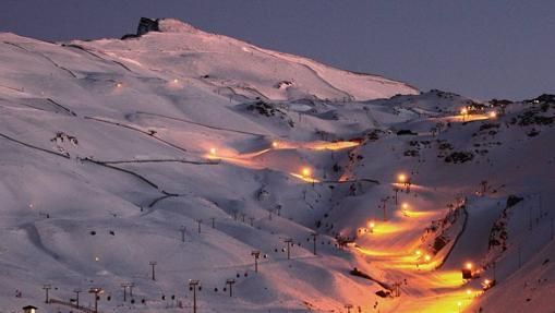 La estación ofrecerá también este año la posibilidad de practicar esquí nocturno