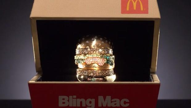 Bl'Bling Mac' el anillo de oro y diamantes que regala Mc Donald´s
