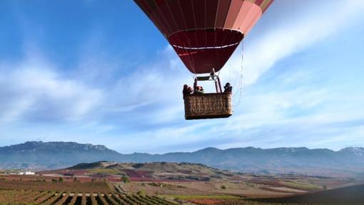Durante el vuelo, un guía experto acompañará a la pareja