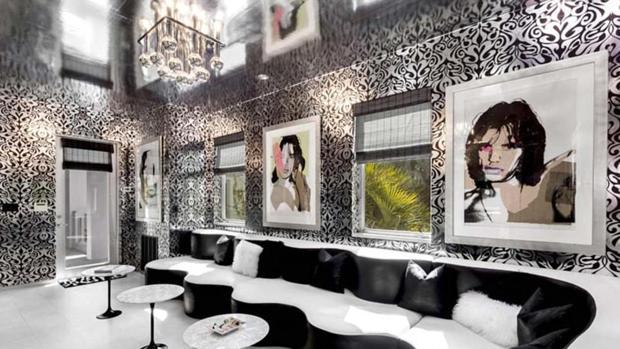 «Disco Room», una estancia de la casa de Tommy Hilfiger. Los retratos de Mick Jagger son de Andy Warhol