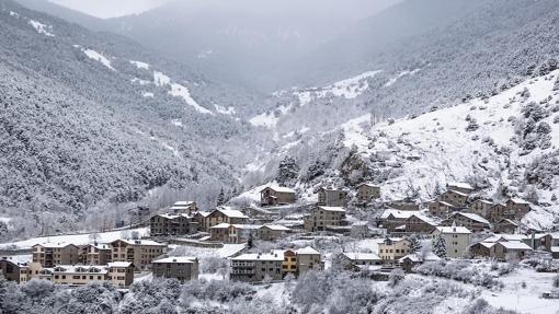 En el Principado y sus alrededores se puede sacar partido a la nieve