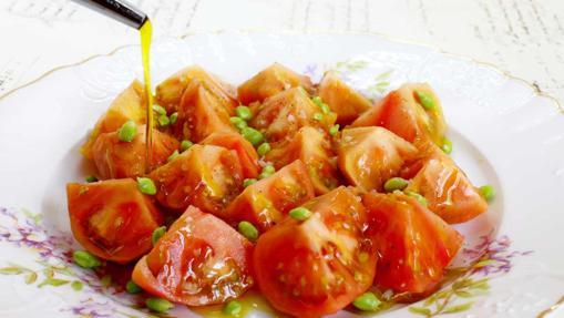 El Tomate Raf con guisantes lágrima de Bodega 1900