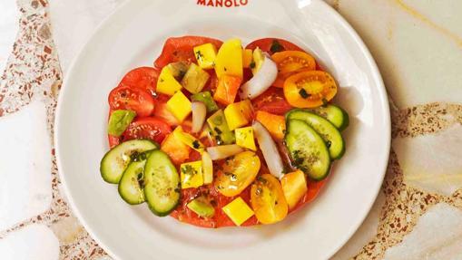 El 'Chuletón de tomate con seis cosas ricas' de Celso y Manolo