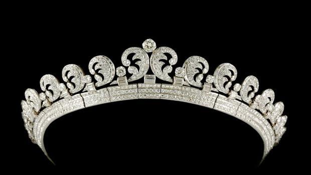 Las joyas de la corona británica que usará Meghan Markle 54e875aeba2