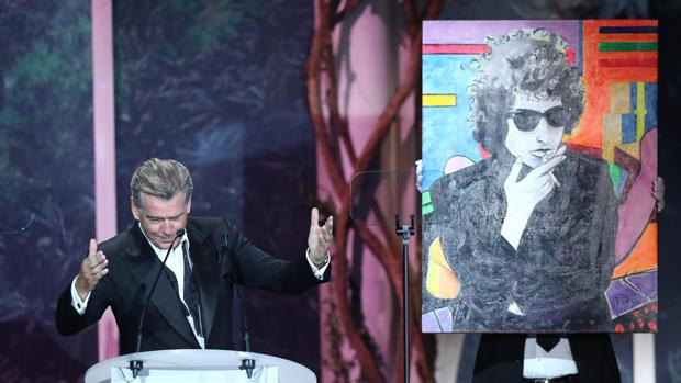 El cuadro del millón de euros que pintó Pierce Brosnan