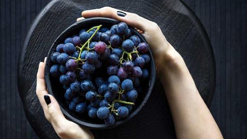 Los vinos de hielo se elaboran a partir de uvas heladas en la vid