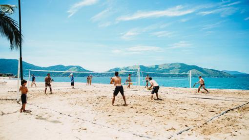 SIETE MANERAS DE ENTRENAR EN LA PLAYA La arena y el mar
