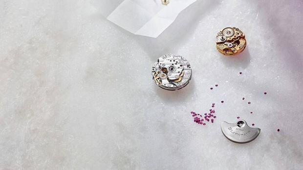 Estos relojes están fabricados con los materiales y la delicadeza de la alta joyería