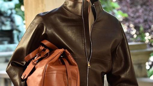 El marrón se consolida este otoño. Dunhill lo confirma