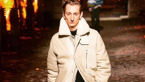 Una de las firrmas que ha apostado por esta prenda de abrigo ha sido Hermès