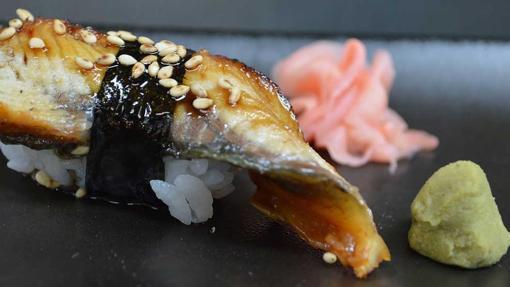 El wasabi y el jengibre encurtido son dos acompañamientos picantes esenciales de la cocina nipona