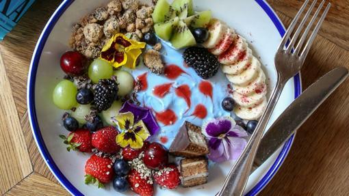El Rainbow Coconut Milk Parfait del restaurante Flax&Kale