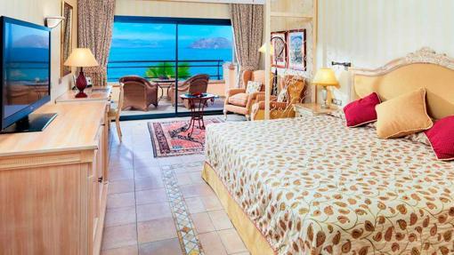 Una de las suites del hotel con vistas al mara