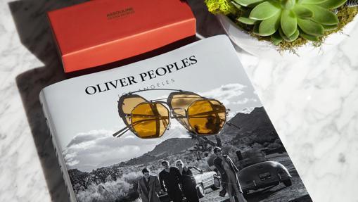 El libro y las gafas de Oliver Peoples x Assouline