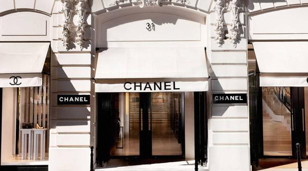 Fachada de una de las boutiques de Chanel