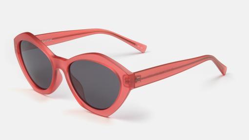 Gafas de sol con montura de color rojo de MO Multiópticas